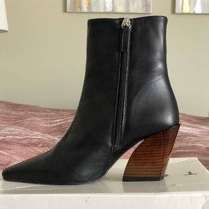 Topshop Henley Black Boot - size 7.5